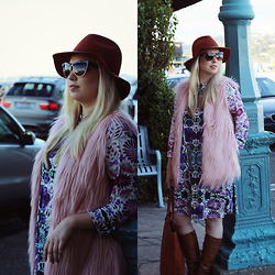 Hannah - San Diego Hat Co. Floppy, Christian Dior Sunnies, Forever 21 Pink Yeti Vest, Nine West Boots, Madewell Transport Tote, Free People Dress - Pink Yeti