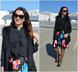 Butterfly Petty - Style Moi Skirt, Style Moi Blouse, Zara Shoes, Lookbook Store Vest - Almost black outfit