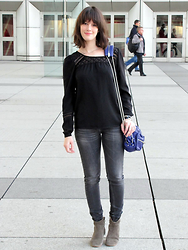 The laid-back girl Léa - Vila Blouse, Alexander Wang Bag, Reiko Jeans, Isabel Marant Dicker Boots - Black blouse