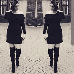 Magda Lena -  - Me little black dress