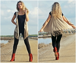 Anita - Bershka Vest, Stradivarius Booties, Zara T Shirt, Zara Leggings - Fringes Everywhere