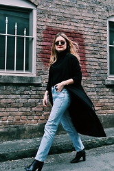 Kirby C - Ray Ban Sunglasses, Monki Jacket, Levi's® Jeans, Isabel Marant Ankle Boots - Alley.