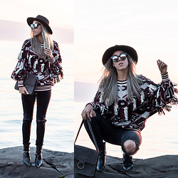 Alison Liaudat - Zara Fringed Knit, H&M Ripped Jeans, Urban Outfitters Suede Bag, Freyrs Mirrored Sunglasses, Forever 21 Black Hat - Fringe, Fringe.