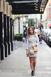 Noor G. - Topshop Dress, Topshop Shirt, Jimmy Choo Ankleboots, Chanel Bag, Topshop Pom - AN AFTERNOON IN LONDON
