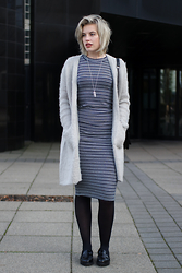 Rowan Reiding - Gabor Black Loafers, Topshop Striped Midi Bodycon Knit Dress, Melting Stockholm Oversized Fluffy Mohair Cardigan, Costes Marble Necklace - STRIPED DRESS