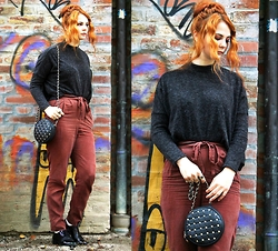 Katharina K. - H&M Woolen Jumper, H&M High Waits Pants, &Otherstories Brogues - Prayer in C