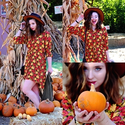 The Indie Girl Fleming - Topshop Floral Button Down Dress, Free People Vintage Leather Hat - Pumpkin Patch