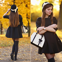 Ariadna M. - Black Coat, Long Black Boots - Golden autumn