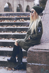 Krist Elle - Wholesale7.Net Army Green Coat, Fiorellashop.Com 100% Wool Beanie Hat - Army green coat
