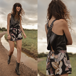 Elle-May Leckenby - Leather Cross Back Top, Print Shorts, Slate Grey Raylan Boots - Cross on over