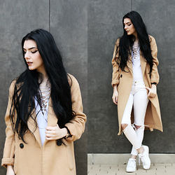 CLAUDIA Holynights - Sheinside Lace Up Top, Frontrowshop Oversized Camel Coat - Minimal in white and camel