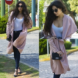 Marina Mavromati - H&M White Tank Top, Zara Dark Blus Skinny Jeans, Bozikis Black Suede Heels, Znu Apricot Long Trench Coat, Cndirect Black Tote Bag, By Sis Cuff Earring, Freyrs Cat Eye Sunglasses - City Strut!