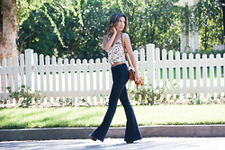 Jessi Malay - Zara Printed Tank Blouse, L'Agence Elyse Low Rise Flare Jeans, Chloe Hudson Fringe Bag In Caramel - FLARES | L'Agence