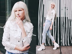 Anna Jaroszewska - Mohito White Denim Jacket, Diverse Boyfriend Jeans, New Look White Shoes - Darkness covered in white