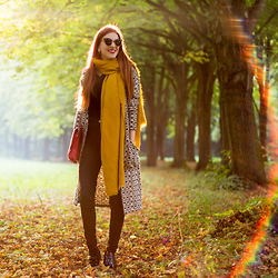 Sonja Vogel - Zara Mustard Yellow Scarf, Polette Sunglasses, Zara High Waisted Black Jeans, Sacha Chelsea Boots Patent - Amsterdam Forest