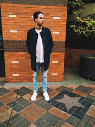 Austin Sandquist - Analog Beanie, H&M Coat, Gap Sweater, American Apparel T Shirt, Scotch & Soda Ralston Jeans, Adidas Stan Smith Sneakers - 11•03•15