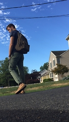 Michael LaRosa - Sperry Topsider Sperry's, Topman Chinos, Obey Backpack, Jack O'neill Tee - Blue skies, blue eyes