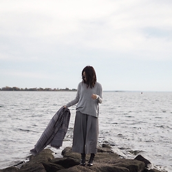 Carolyn C - Forever 21 Scarf, Forever 21 Culottes, H&M Grey Turtleneck - Down by the sea