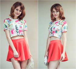 Marina Senina - Https://Vk.Com/Club48977128 Crop Top Flowers, Https://Vk.Com/Club48977128 Skirt Red - Warm walk