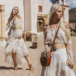 Sarah Loven - Spell Designs Crochet Crop Top, Spell Designs Crochet Maxi Skirt, Bed Stu Ankle Booties, Femme Feralie Leather Bucket Bag, Love Heals Jewelry Long Turquoise Necklace - Old Tucson