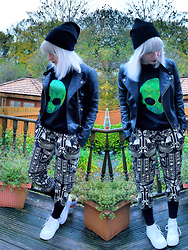 Kirsty Dawson - Killstar Sweatpants, Nike Air Force 1, Topshop Leather Jacket, H&M Fine Knit Hat, H&M Sweatshirt - OOTD 29.10.15