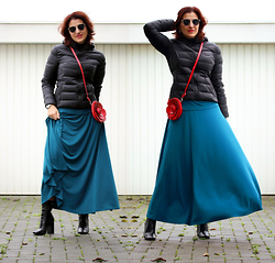 Teresa Leite - Mango Black Puffer Jacket, Tany Couture Self Made Half Circle Skirt, Zara Black Ankle Boots - Blue and Red Roses