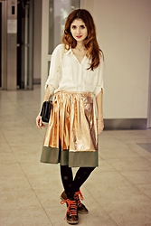 Maria Chamourlidou - Tory Burch Sneakers, Hk Brand Skirt, Betty Barclay Shirt, Lancel Bag - Lame skirt