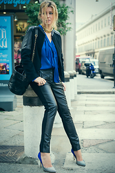 Elena Barolo - Sinequanone Trousers, Sinequanone Silk Blouse, Chanel Drawstring Bag, Ca&Lou Gold Necklace, Zara Jacket, Gialnluca Soldi Double Color Stileto - Black and blue