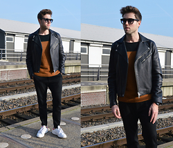 Jordi - Acne Studios Gibson Leather Jacket, Zara Wool Jumper, Cos Zip Jersey Trousers, Adidas Stan Smith - Ready for fall