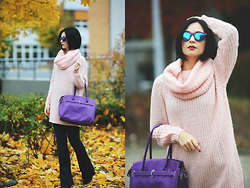 Aleksandra L. - Asos Jeans, Jacke*S Bag, Freyrs Sunglasses, Mint & Berry Sweater - BETWEEN BLUE AND RED