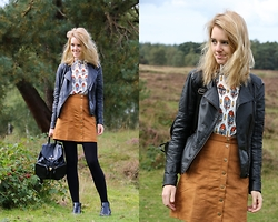 The Fashion Moodboard - Lofty Manner Blouse, H&M 70s Skirt, H&M Divided Ankle Boots - Autumn ready with Lofty Manner
