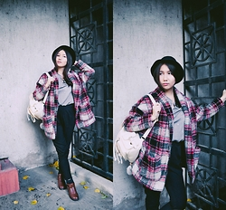 Asemgul Kairzhan - Yoins Drawstring Backpack, Dealsale Star Print Shirt, Pull & Bear Tartan Coat - S h i n e