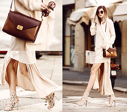 Jana Wind - Mulberry Bag - Off white