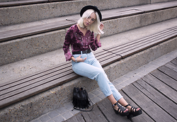 Tara-Lee McNulty - Cottage Clothing Jeans, Cotton On Tassel Bag, Shoes, Topshop Fedora, Vintage Top - Ruby
