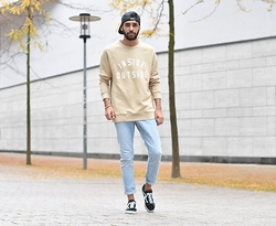 Manij A. - H&M Sweater, Cheap Monday Jeans, Vans Shoes - AUTUMN AIR