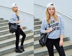 Adela K - Topshop Kendall&Kylie Fot, Nike Airmax, Stylelords.Cz Snapback, Vintage Bag - When in doubt, Vacation.