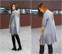 Maria Inês Ribeiro - Sheinside Grey Dress, Stradivarius Thigh High Boots - Gris