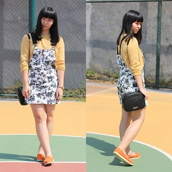 Mei Hendra - Forever 21 Floral Pinafore, Stradivarius Sling Bag, Spyderbilt Spikes Loafers - Floral Pinafore