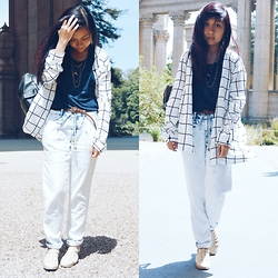 Sarah D. - Forever 21 Grid Shirt, Forever 21 Basic Tee, Forever 21 Joggers, Clarks Sandals - When in San Francisco.