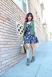 Yuka I. - Elizabeth And James Vest, The Hanger Floral Dress, Marc By Jacobs Bag, All Saints Boots - Army green and floral