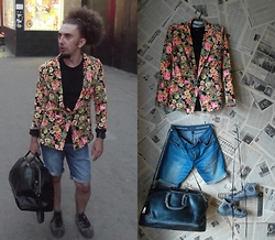 SexPotato . -  - All you need is love... and flower jacket!