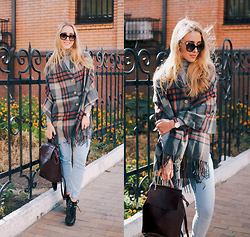 Anna Pogribnyak - Choies Cape, Yoins Backpack, Daniel Wellington Watch, Newdress Sunglasses, Topshop Boots, Pull & Bear Jeans - Sunny days | GIVEAWAY with Yoins on my blog
