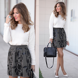 Helena Cueva - The Desire Shop Skirt, Zara Sweater, Gerique Ring, Zara Heels - Brilli