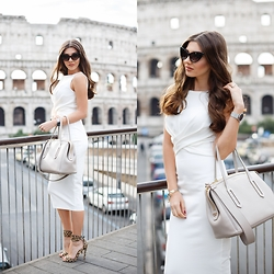 Larisa Costea - Shein Dress - The Colosseum