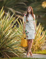 Viktoriya Sener - Dressin Dress, Paul's Boutique London Ltd. Bag, Mango Sandals - DREAMING ABOUT EAST