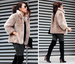Sindy N - Boots, Coat - Faux Fur Coat