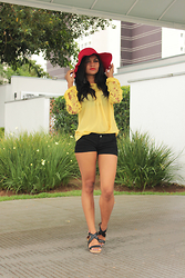 Siça Ramos - Choies Blouse, Cndirect Short Jeans, Amiclubwear Sandals, Znu Hat Red - Walk In The Sunshine Day
