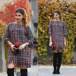 Larisa Costea - Choies Dress, Choies Boots, Choies Clutch - The lipstick issue