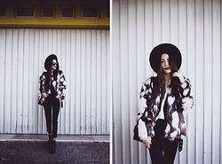 Sofia Reis - Missguided Faux Fur - Lady in fur