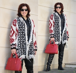 Teresa Leite - Zara Knit Fringed Cardigan (Fw14), Zara Red Tote Bag (Old), Zara Black Otk Leather Boots (Old) - Tribal Print and Fringes